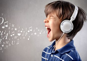 مهارت های شنیداری در پرورش کودک دو زبانه